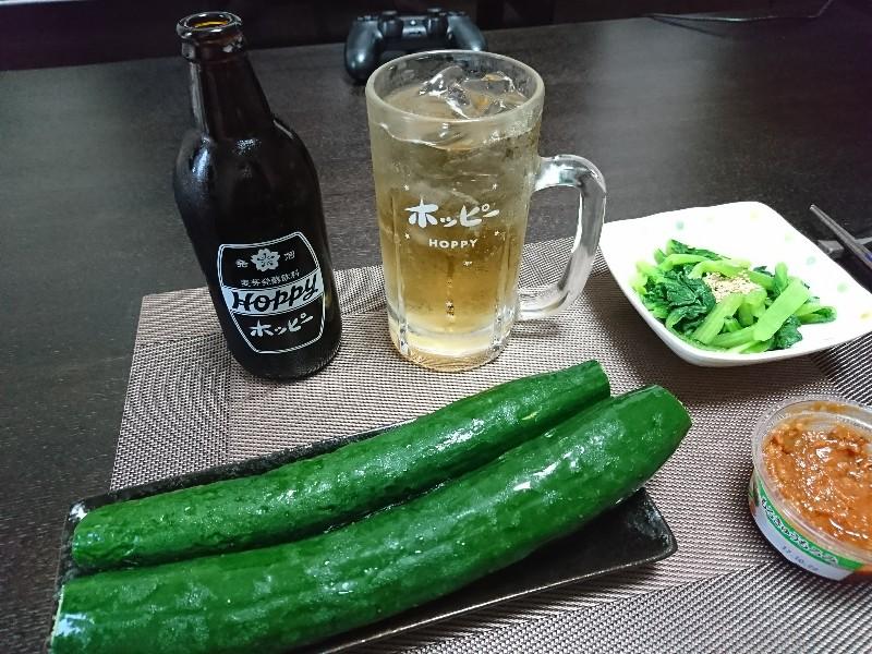ホッピーとモロキュウと小松菜のおひたし