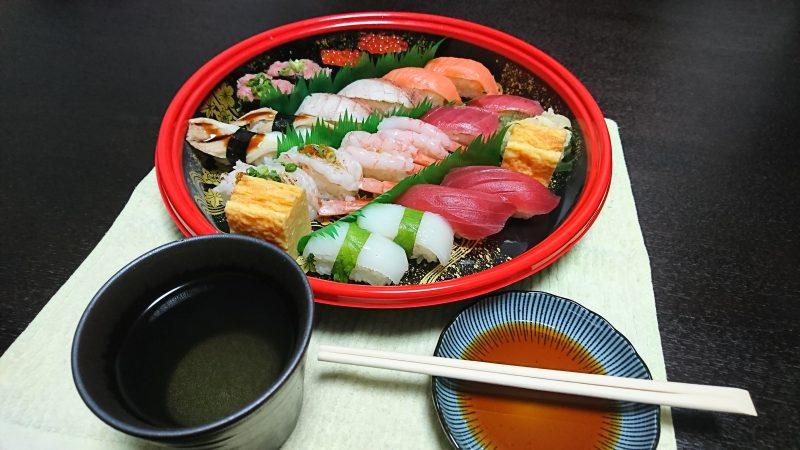 今宵の晩酌は寿司で、