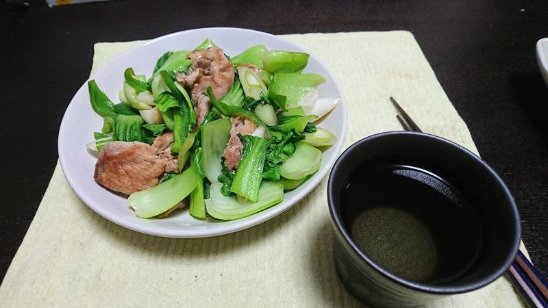 今夜は青梗菜の炒め物で、