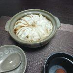 今夜はとろろオクラ納豆とかき菜のおひたし、そして餃子鍋で。