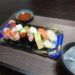 今夜の晩酌 スーパーのお寿司とゴーヤのから揚げで一杯