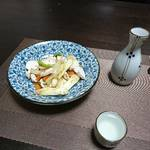 今夜の晩酌 鶏むね肉と野菜炒めの和え物で一杯
