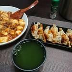 今夜の晩酌 麻婆豆腐と焼き餃子をつまみに一杯