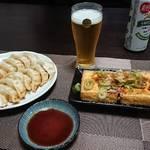 今夜の晩酌 焼き餃子に焼き豆腐をつまみに一杯